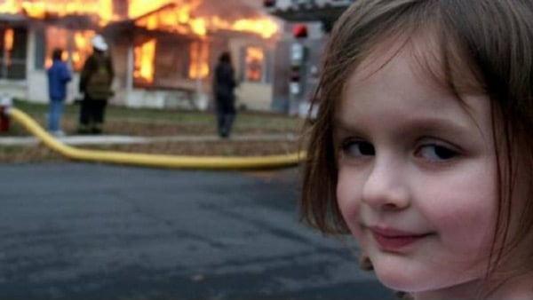 Plantilla Momo Chica con fuego